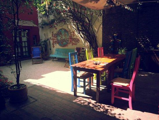 Lina's Tango Guesthouse : Inside garden