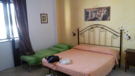 Mariposa B&B : stanza con letto aggiunto