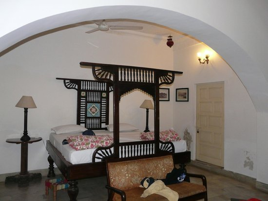 Haveli Inn Pal: chambre