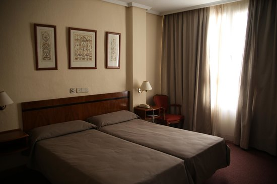 Hotel Mediterraneo: our room