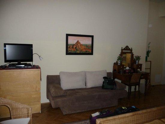 Stadtnest Bed & Breakfast and Apartment: Burma Room