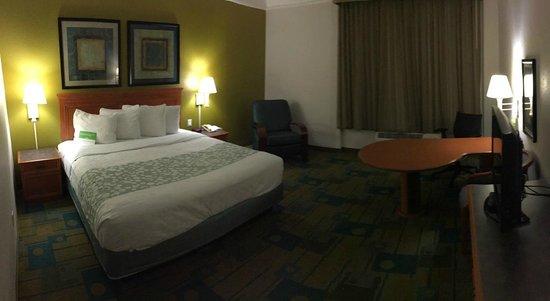 decent sized king plus room picture of la quinta inn suites rh tripadvisor com