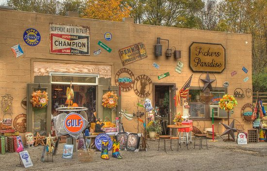 Newport, TN: So much neat stuff to see - bring a truck!!!