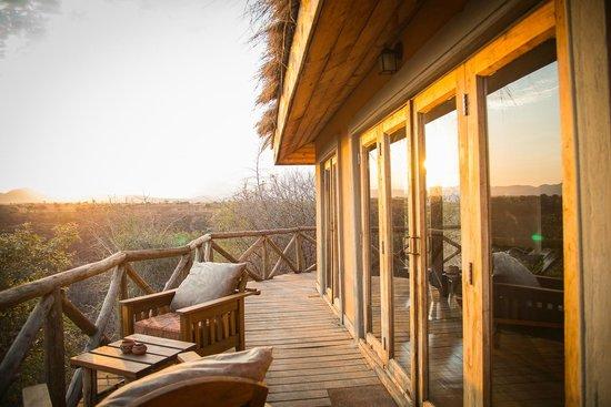 Escarpment Luxury Lodge: balcon