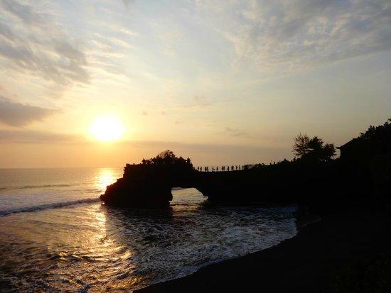Magilla Bali Tours: Batu Bolong temple (near Tanah Lot)