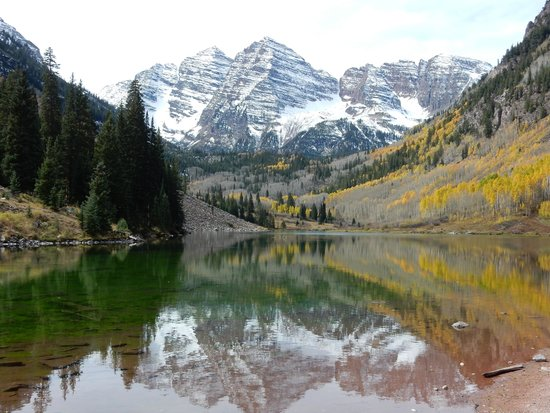 The Little Nell: Scenic drive in Aspen. Maroon Lake