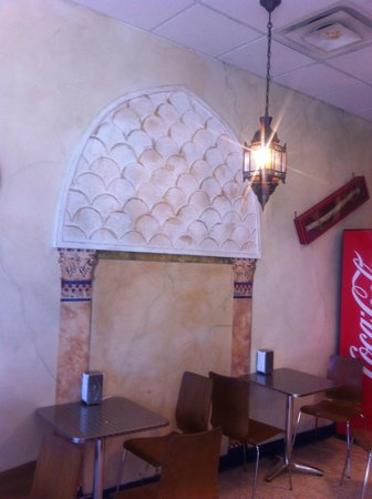 Cleopatra Mediterranean Grill: Dinning room
