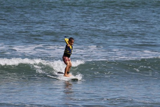 Costa Rica Stand Up Paddle Boarding: Kids surf lesson.