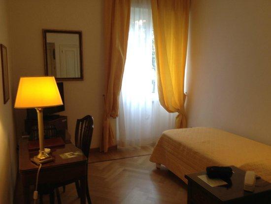 Grand Hotel Villa Balbi: Una camera del albergo