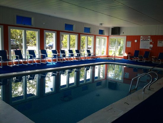 Cape Cod Family Resort: Indoor Pool