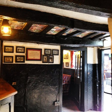 Ye Olde Trip to Jerusalem: The Entrace of  the Old Inn