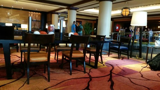Renaissance Baltimore Harborplace Hotel: lobby
