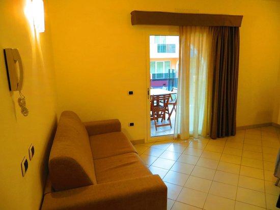 Aparthotel Por do Sol: Living room