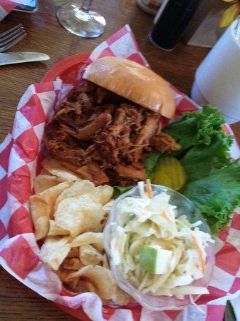 Chickadee Cottage Cafe: Pulled pork sandwich