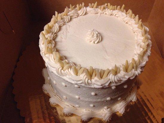 Spiral Diner & Bakery: Amaretto Vegan Cake