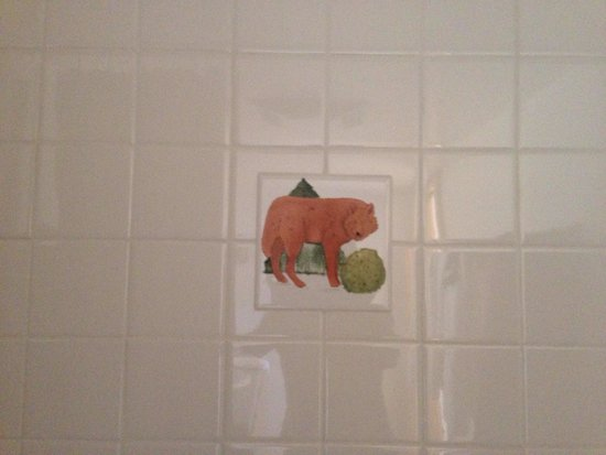 Red Wolf Lodge at Squaw Valley: Attention to detail ( bathroom tile)