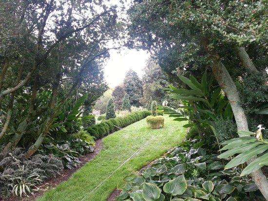 Leesburg, Wirginia: Interior gardens at Oatlands