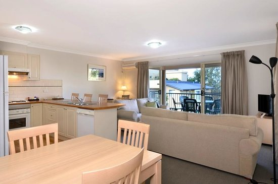 Terralong Terrace Apartments 2 Bedroom Poolside Apt Open Plan Kitchen Dining Lounge