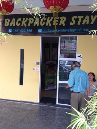 Backpacker's Stay: Entrance
