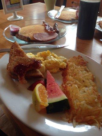 Chickadee Cottage Cafe: Sampler.   Big breakfast.  Delish!