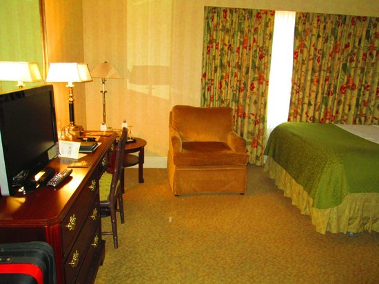 Mayflower Park Hotel: room