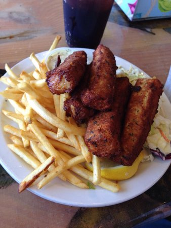 Paia Fish Market: Fish ms Chips--- yummm!!