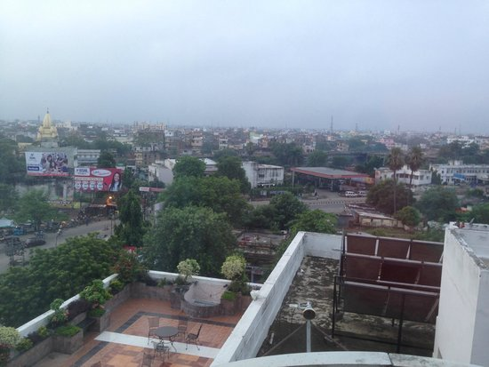 Hotel Chanakya : view from the room on the 6th floor