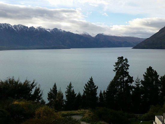 Mercure Resort Queenstown: The view when you look to your left side..