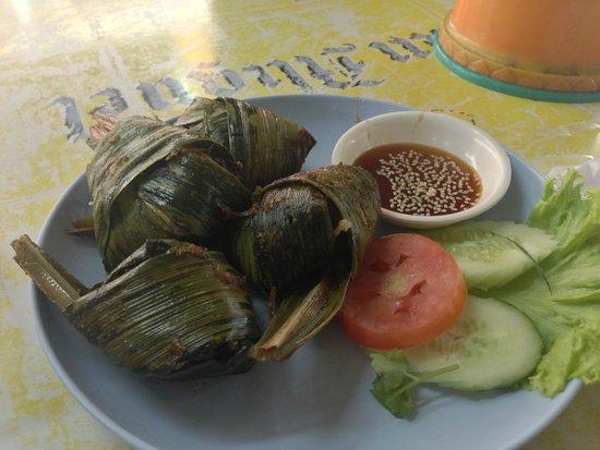 Suda Restaurant: Gai Hor Buy tuey(sounds no idea spelling) chicken fried in pandan leaf