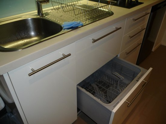 Charmant The Sebel Bowral Heritage Park: Studio Kitchen With Small Dishwasher Drawer
