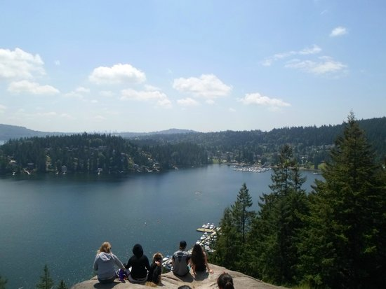 Deep Cove Vista De Quarry Rock