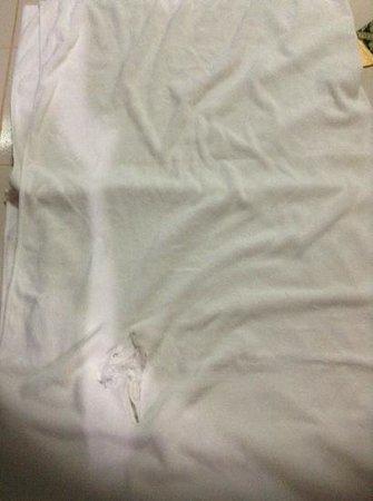 Ao Nang Baan Suan Resort: The towel we were given as a blanket