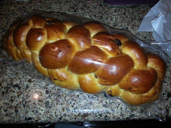 Hungry Lu's: Hmmmm fresh Jewish bread .