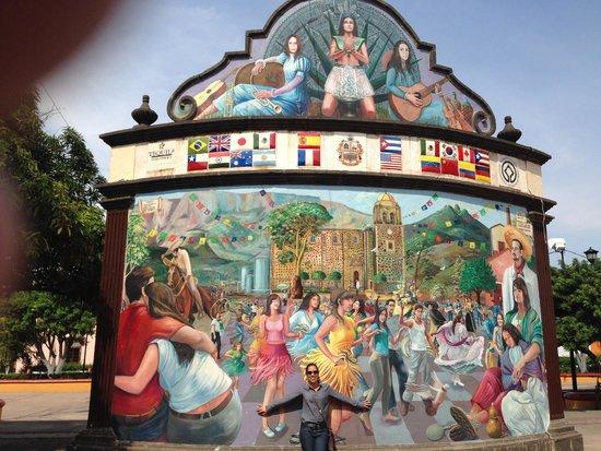 Mural en la plaza de tequila picture of tequila for Aviso de ocasion mural guadalajara