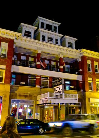 Failinger's Hotel Gunter: Night view