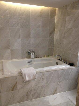 Regent Taipei: バスルーム
