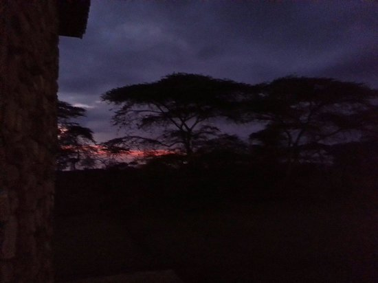 Seronera Wildlife Lodge: sunrise at the hotel stunning