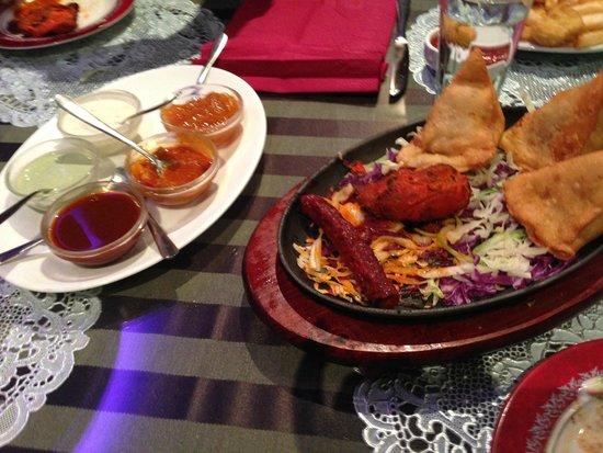 Indian Star Tandoori Restaurant: Tandoori meats and Samosa