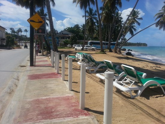 Hotel Oasis: la playa esta a pasos de Oasis!!!