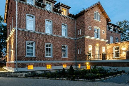 Hugo Hotel Business & SPA