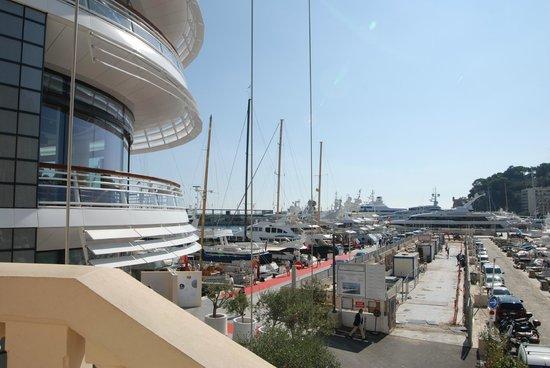 Yacht club sign photo de monte carlo harbor monte carlo for Monte carlo yacht club