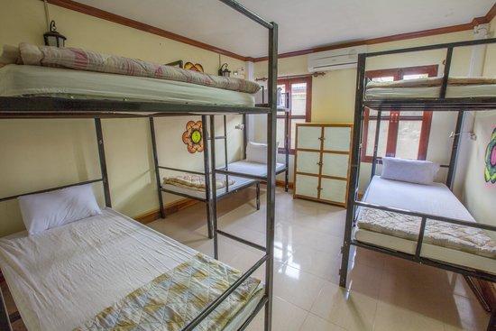 Khammany Inn : Dorm Room