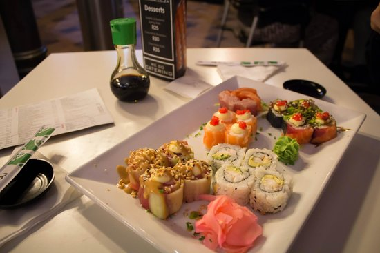 nuri sushi platter picture of nuri sushi factory cape town central tripadvisor. Black Bedroom Furniture Sets. Home Design Ideas