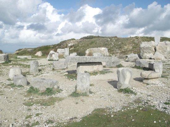 Tout Quarry Sculpture Park and Nature Reserve: circle