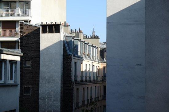 Hotel Innova: the tip of Tour Eiffel