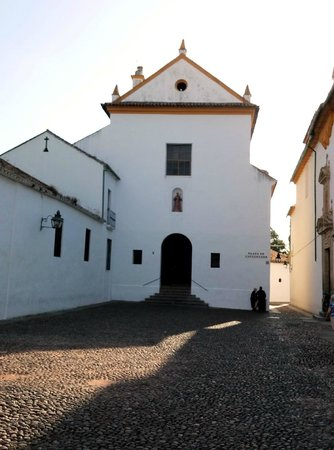 Cristo de los Faroles: Fachada Convento de Capuchinos