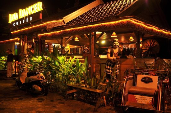 Java Dancer At Night Picture Of Java Dancer Coffee Roaster Malang Tripadvisor