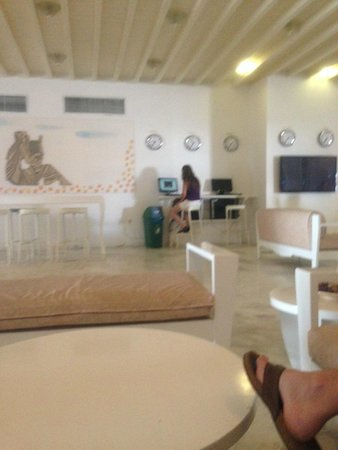 Mykonos Palace Beach Hotel: Reception (Wi-Fi area)