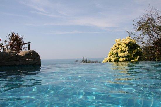Sea View Resort & Spa Koh Chang: Бассейн