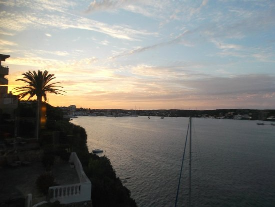 Hotel Agamenon: view from the lounge into Mahon harbour